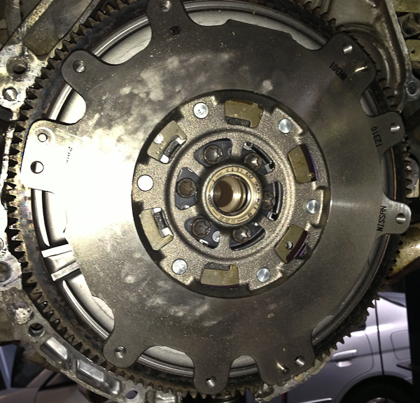 New Dual mass flywheel, The springs and hardware in the center are part of the dual amss system.